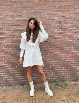 SH Gebreide jurk met ruches milk